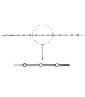 Barre trous renflés 20x20mm percée de 13 trous losange pour carré de 20x20mm - longueur 2m