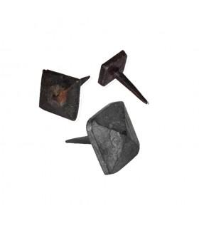 Clou martelé 30x30mm à tête carrée pyramidale décorative et pointe effilée