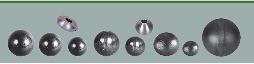 Boule, bille de forge en acier, lisse, facetté ou décolletée