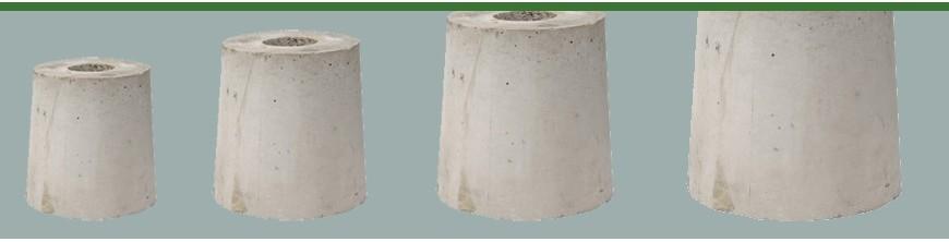 Socles en béton à enterrer pour fixation au sol de lampadaires et réverbères